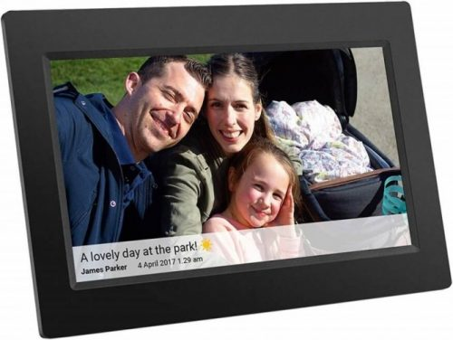 A Digital Photo Frame Can Be a Great Holiday Gift